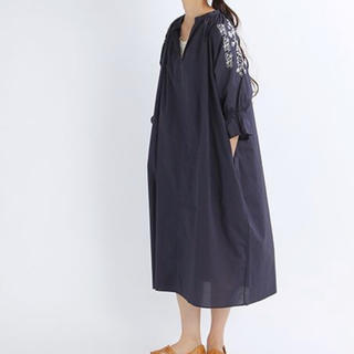 スタディオクリップ(STUDIO CLIP)の新品未使用!コットンローン袖刺繍ワンピース スタディオクリップ ゆったりめ(ロングワンピース/マキシワンピース)