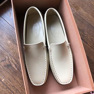 トッズ(TOD'S)のTOD'S シューズ(ローファー/革靴)