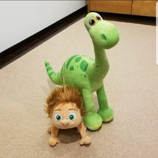 ディズニー(Disney)の美品 アーロと少年 ぬいぐるみ ビッグサイズ 大型(ぬいぐるみ)