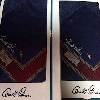 アーノルドパーマー(Arnold Palmer)の新品箱入りアーノルドパーマーハンカチ2個ペア(ハンカチ/ポケットチーフ)