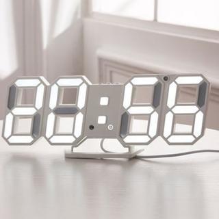 オシャレ♪ LEDデジタル時計 3Dデザイン
