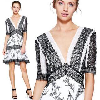 タダシショウジ(TADASHI SHOJI)の新品 Tadashi Shoji ドレス フレアワンピース ブラック ホワイト(ひざ丈ワンピース)