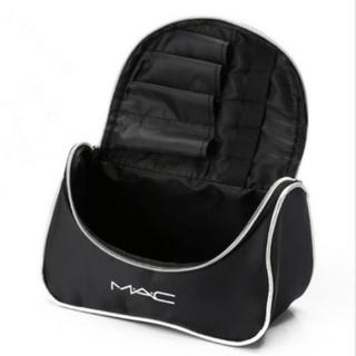 マック(MAC)の新品 MAC 日本未発売 ロゴ入り ポーチ 大容量収納 ミニミラー付き(ポーチ)
