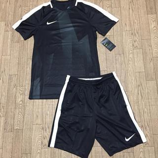 ナイキ(NIKE)の《新品未使用》ナイキ サッカー フットサル シャツ パンツ 2点セット(ウェア)
