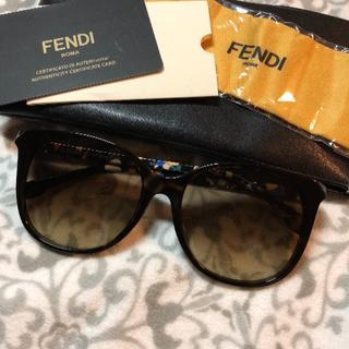 フェンディ(FENDI)のFENDI サングラス 新品 送料込み(サングラス/メガネ)
