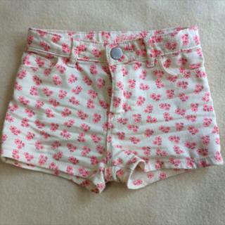 ベビーギャップ(babyGAP)の外遊びに♡ babyGAP ショートパンツ サイズ90 女の子 花柄 used(パンツ/スパッツ)