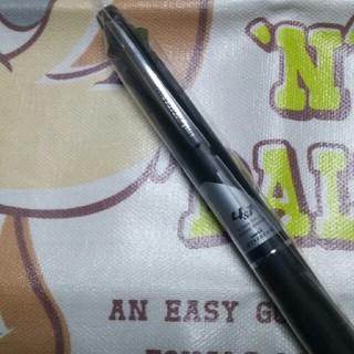 ミツビシエンピツ(三菱鉛筆)のJETSTREAM0.7の4色ボールペン&シャープ(ペン/マーカー)