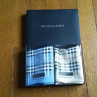 BURBERRY - バーバリーハンカチギフト