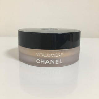 シャネル(CHANEL)のシャネル ヴィタルミエール ルースパウダー ファンデーション  №20(ファンデーション)