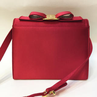サルヴァトーレフェラガモ(Salvatore Ferragamo)のフェラガモ リボン ショルダー バッグ レッド 赤 サテン 18584723(ショルダーバッグ)