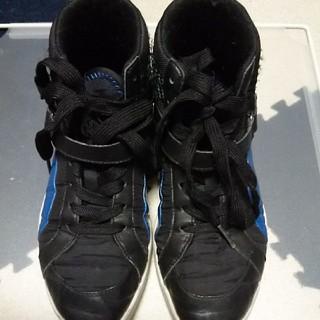 プーマ(PUMA)のスニーカー靴 22.5cm PUMAブラックブルー (スニーカー)