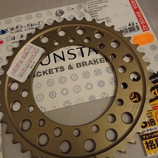 サンスター(SUNSTAR)のバイク リアスプロケット rh106-42(パーツ)