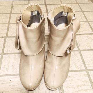 マーレマーレ デイリーマーケット(maRe maRe DAILY MARKET)のマーレマーレベージュデカリボン付きレインブーツにもなるショートブーツ24.5(ブーツ)