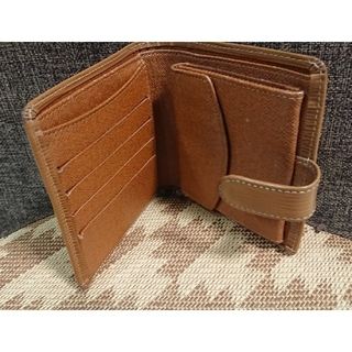 ルイヴィトン(LOUIS VUITTON)のルイヴィトン  エピ 2つ折り財布(財布)