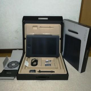 ワコム(Wacom)のWACOM ペンタブレット intuos Pro MサイズPTH-651/K1(コミック用品)