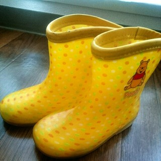 ディズニー(Disney)の15センチ  長靴  黄色 プーさん レインブーツ(長靴/レインシューズ)