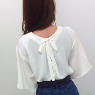 ジーユー(GU)のバックリボンブラウス(シャツ/ブラウス(半袖/袖なし))