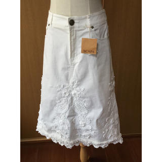 スキャパ(SCAPA)の⭐︎SALE実施中⭐︎未使用 SCAPAデニムスカート 定価34.650(ひざ丈スカート)
