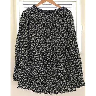 ジーユー(GU)のgu 黒 プリーツ スカート(ひざ丈スカート)