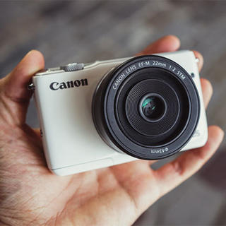 キヤノン(Canon)のCanon 一眼レフカメラ EOS M10(ミラーレス一眼)