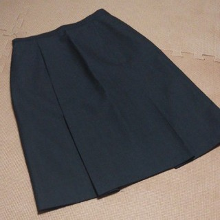 アティース(Atease)のAT-EASE スカート(S)(ひざ丈スカート)