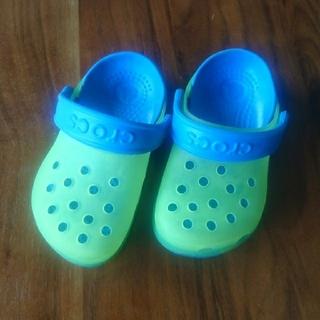 クロックス(crocs)の🌈【Crocs】14〜15㎝(サンダル)