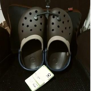 クロックス(crocs)の*訳あり 新品♢未使用 タグ付き crocs gloomy fit M7/W9(サンダル)