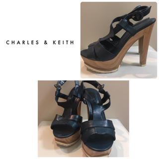 チャールズアンドキース(Charles and Keith)のチャールズ&キース♡ネイビーレザー サンダル♡(ハイヒール/パンプス)