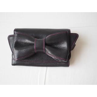 キタムラ(Kitamura)の美品★キタムラ(Kitamura)★リボンモチーフ レザー財布★黒×ピンク (財布)