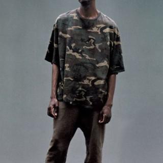 アディダス(adidas)のYEEZY SEASON 1 camo tee カニエウエスト(Tシャツ/カットソー(半袖/袖なし))