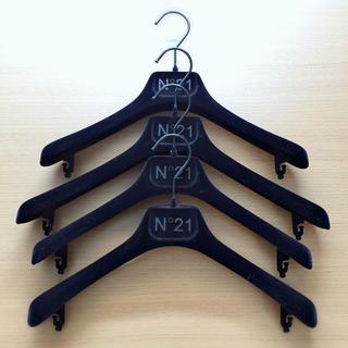 ヌメロヴェントゥーノ(N°21)のN°21ヌメロ ヴェントゥーノハンガーセット(Tシャツ(半袖/袖なし))