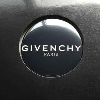 ジバンシィ(GIVENCHY)の【新品】ジバンシー缶バッジ (その他)