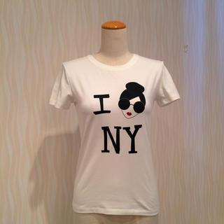 アリスアンドオリビア(Alice+Olivia)の新品タグ付き alice+olivia ステイシー  NY Tシャツ(Tシャツ(半袖/袖なし))