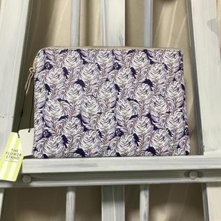 アツロウタヤマ(ATSURO TAYAMA)のAT ステキな柄のポーチ 新品 タグ付き タヤマアツロウ (ポーチ)