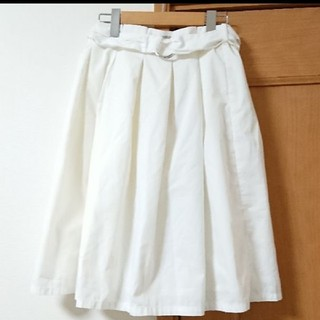 アロー(ARROW)のアロー ベルト付 タックスカート(ひざ丈スカート)