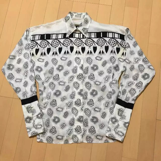 ジャンニヴェルサーチ(Gianni Versace)のGianni versace ジャンニベルサーチ 総柄 シルクドレスシャツ(シャツ/ブラウス(長袖/七分))