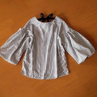 ザラ(ZARA)の美品♪KobeLettuce★膨らみ袖トップス(カットソー(半袖/袖なし))