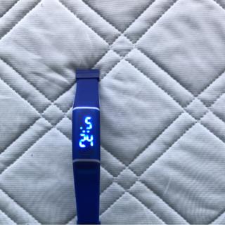 デジタル時計(腕時計(デジタル))