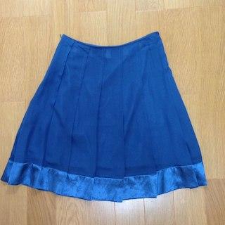 ジーユー(GU)のブルーシフォンプリーツスカート(ミニスカート)