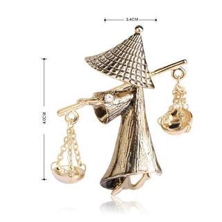 面白い 天秤棒で水を運ぶ 小僧のブローチ レディース(つけ襟)