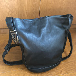 ザラ(ZARA)の新品未使用 FOREVER21 ショルダーバッグ 黒(ショルダーバッグ)