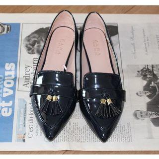 ザラ(ZARA)のZARA タッセルディテール付きエナメルローファー(ローファー/革靴)