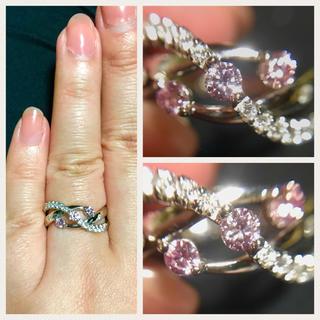 pt900 憧れの天然ファンシーピンクダイヤ!3石の豪華なリング 0.23ct (リング(指輪))