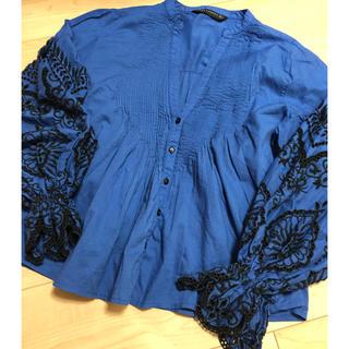 ザラ(ZARA)のザラ刺繍ブラウスブルーサイズS(シャツ/ブラウス(長袖/七分))