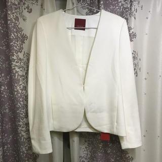 アマカ(AMACA)のアマカ 新品 ノーカラー ジャケット 白 ホワイト  M  38(ノーカラージャケット)