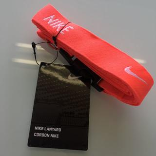 ナイキ(NIKE)のNIKE ネックストラップ ランヤード 693 蛍光レッド(キーホルダー)