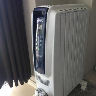 デロンギ(DeLonghi)のデロンギ オイルヒーター QSD0712-MB(オイルヒーター)