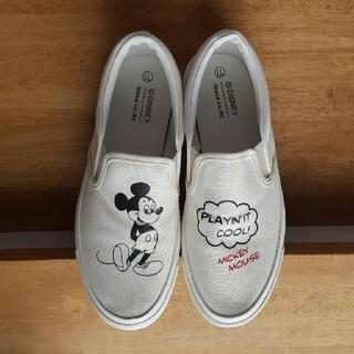 ディズニー(Disney)の【新品】ミッキーマウス スリッポン👟(スリッポン/モカシン)