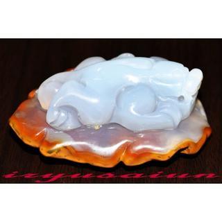 【瑪瑙(メノウ)】 天然石 高級手彫り貔貅根付 開運風水 新品一点ものFT003(彫刻/オブジェ)