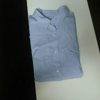 ジーユー(GU)のシャツ  (シャツ/ブラウス(半袖/袖なし))
